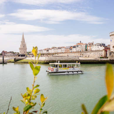 Cross La Rochelle in sea bus